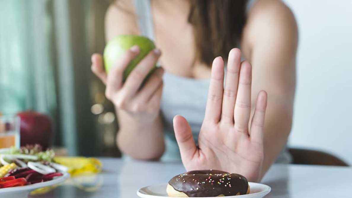Podatek od cukru i oznaczanie żywności pomagają dokonywać zdrowszych wyborów
