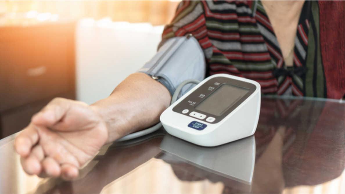 Potwierdzono związek między zapaleniem przyzębia a ryzykiem chorób sercowo-naczyniowych